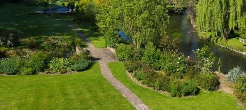 Flower imagine et entretient vos terrasses et jardins à Paris